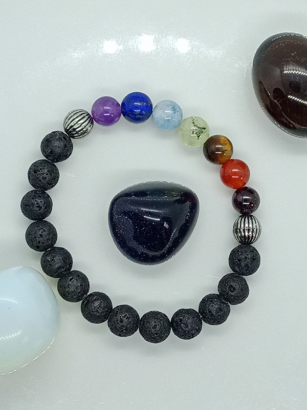 Bracelet des 7 chakras et pierre de lave