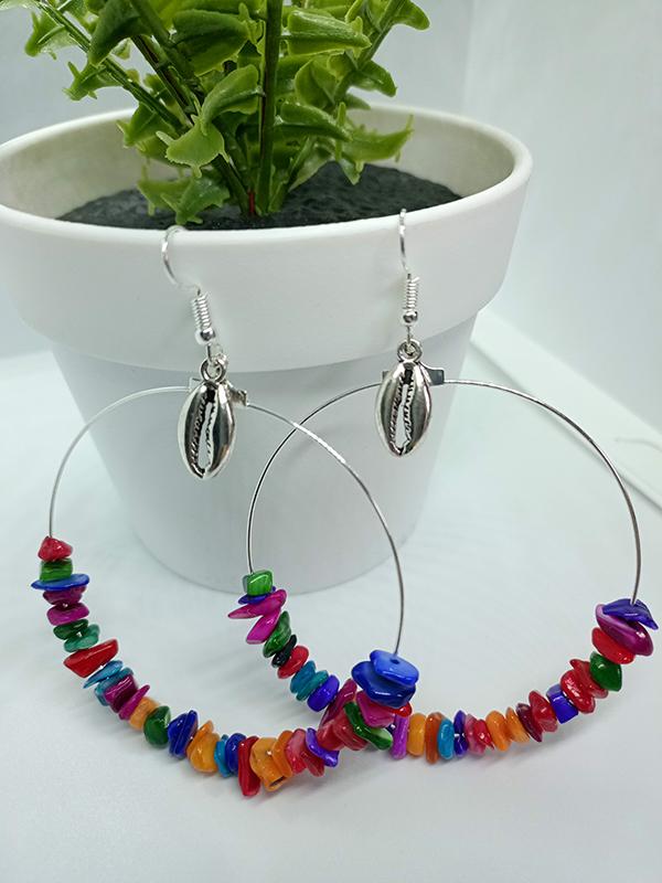 boucles d'oreilles en coquillage multicolore